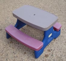 Little tikes small folding picnic table