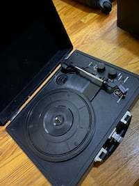 Vinyl / Record Player