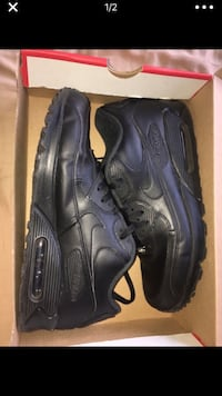 pair of black Nike Air Max shoes with box 2332 mi