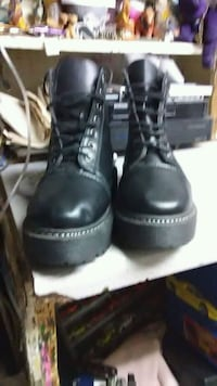 Work boots size 7.5