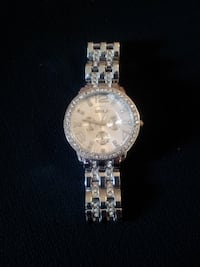 round silver-colored chronograph watch with link bracelet Moncton