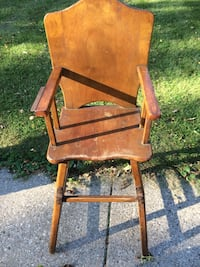 Vintage Wooden High Chair Whitefish Bay, 53217