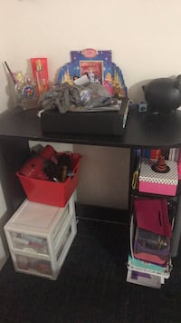 black and gray computer desk Kissimmee, 34746