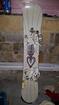 Snowboard with bindings Salaberry-de-Valleyfield, J6S 4P4
