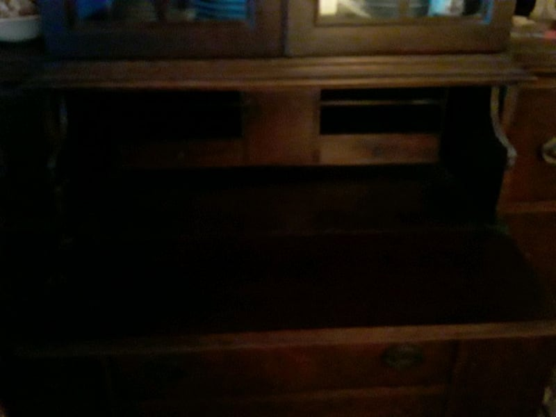 Antique Hutch with Pull-Out DRAWER And Antique Key! d78c1ef4-8d4e-416b-ae73-90a8953f1b8f
