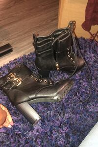 Black boot size 8