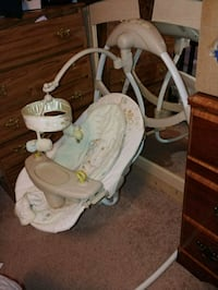 baby's white and gray cradle and swing Urbandale, 50322