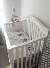 Brand New Gorgeous Baby Crib Ottawa