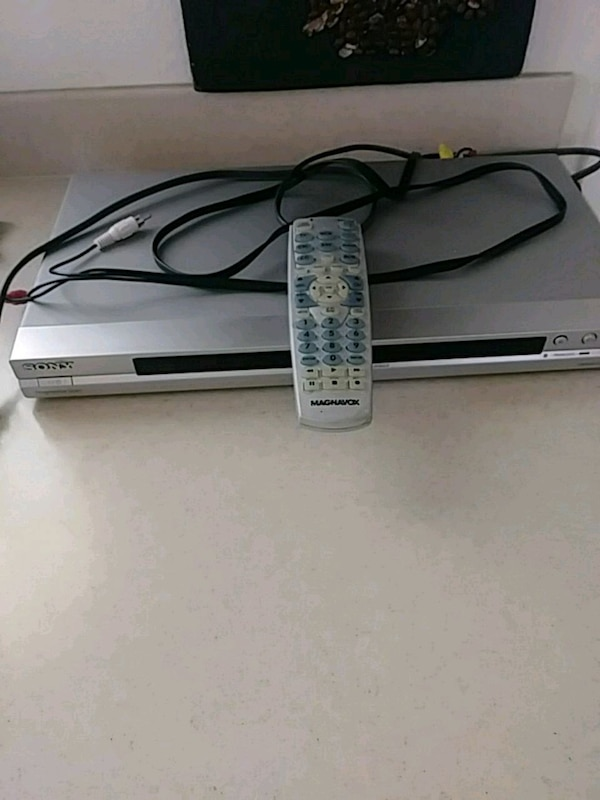 SONY DVD PLAYER $10