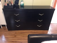 black wooden 3-drawer dresser Santa Ana, 92703