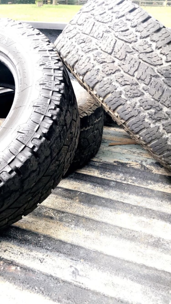 285/65/18 open country all terrain 2fe837bf-f05f-4c96-9516-fdd68be42cd3