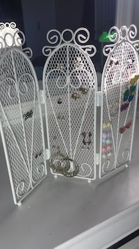 Metal Earring Stand Eastern Passage, B3G 1S9