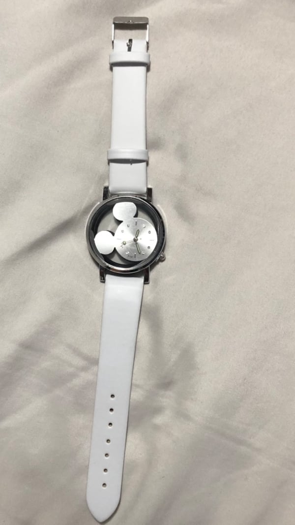 Mickey Mouse Watch 63f6233f-03b5-4a70-99a0-95717c5d29c2
