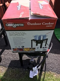 Grill Smith Outdoor Cooker Used East Windsor, 08520