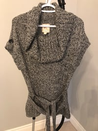 Belted sweater size small Vaughan, L6A 4C2