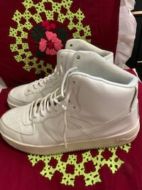 Selling my white airforce willing to negotiate the price for serious buyers only Winnipeg, R2K 3B8