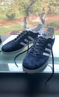 Gazelle Adidas shoes Mc Lean, 22102