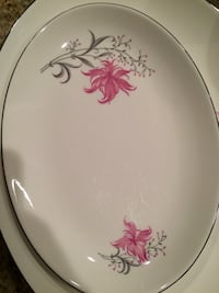 round white and pink floral ceramic plate Dunn Loring, 22027