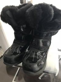 Kids Cougar black leather boots size 13 Toronto, M6J 1Y1