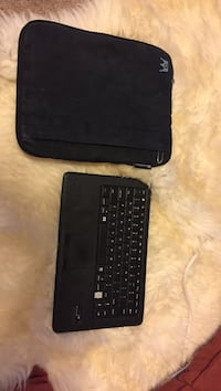 black laptop computer case with keyboard Cottage Grove, 53527