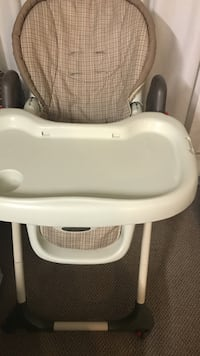 baby's white and gray high chair Burnaby, V3N 4X3