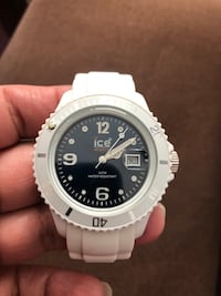 ICE SILICONE WATERPROOF WATCH - like new - with date and time -