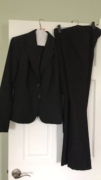 The Limited  womens suit, size 4, black Frederick, 21701