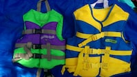 Kids life vest, only green one left Wallingford, 06492