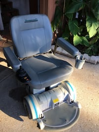 blue and gray mobility scooter 822 mi