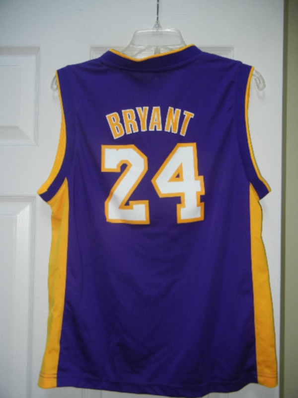 ec79ede6b86 Used KOBE BRYANT 24 LAKERS jersey shirt YOUTH LARGE for sale in Calabasas