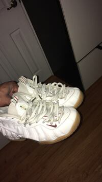 pair of white Nike Air Foamposite 1 shoes Springfield, 01104