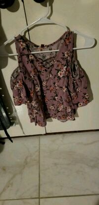 women's purple and white floral blouse Perris, 92570