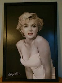 Marilyn Monroe photo with black wooden frame Waldorf, 20601