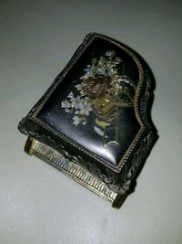 VINTAGE PIANO MUSIC TRINKET BOX FANCY GOLD TONE PL Willoughby Hills, 44094