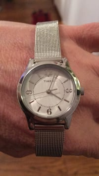 round silver analog watch with silver milanese loop Alexandria, 22307