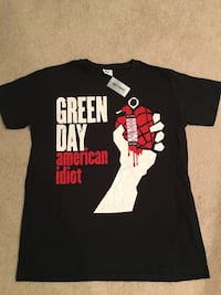 New: Green Day T-shirt  Fishers, 46038