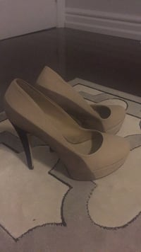 pair of white leather platform stilettos Mississauga, L5H 4J1