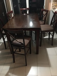 Pub Style Table w/ 6 chairs  Mississauga, L5N 7N3
