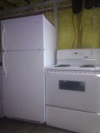 Very nice 28 inches by 65 Frigidaire fridge andset Windsor, N9C 1B4