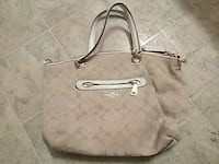 coach purse. pick up only !! Youngstown, 44510