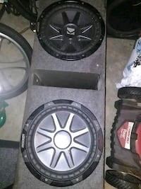 black KICKER subwoofer with enclosure 468 mi