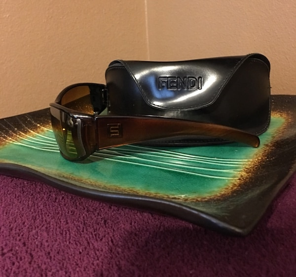 Beautiful Vintage Fendi Sunglasses a4503199-5fb6-4369-901b-ec4d04648c95