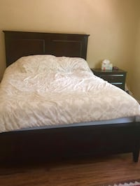 Queen bed set  Woodbridge, 22192