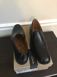 Men's Clark's Black Leather 8.5 Shoe - BRAND NEW!