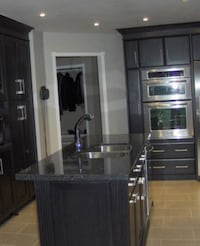 Kitchen Island for sale with sink and granite top  Mississauga, L5N