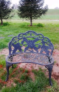 black metal bench 13 mi