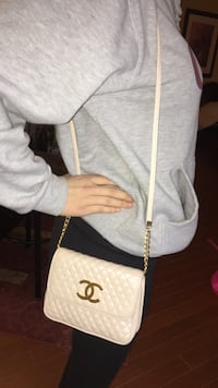 quilted white Chanel leather crossbody bag Halifax, B4B 1T7
