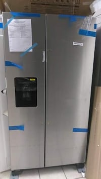 """Brand New 36"""" Amana 24.5 Cu Ft Side by Side Refrigerator (Scratch and Dent)  Elkridge, 21075"""
