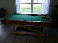 Pool table, 6 cues, balls and rack Leesburg, 20175
