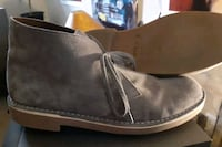 CLARKS DESERT BOOTS SIZE 10 IN NEW CONDITION.  Ottawa, K2G 5A2